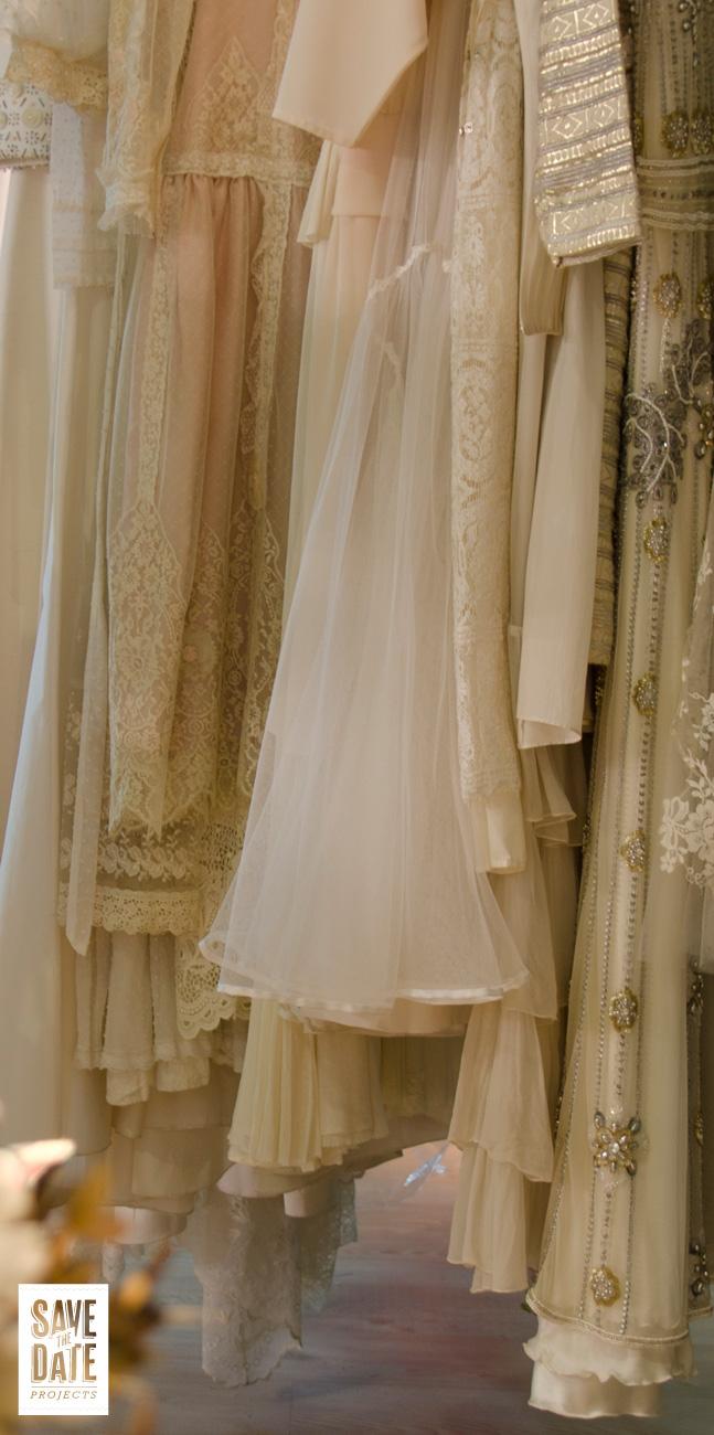 Detalles de boda y vestidos de época
