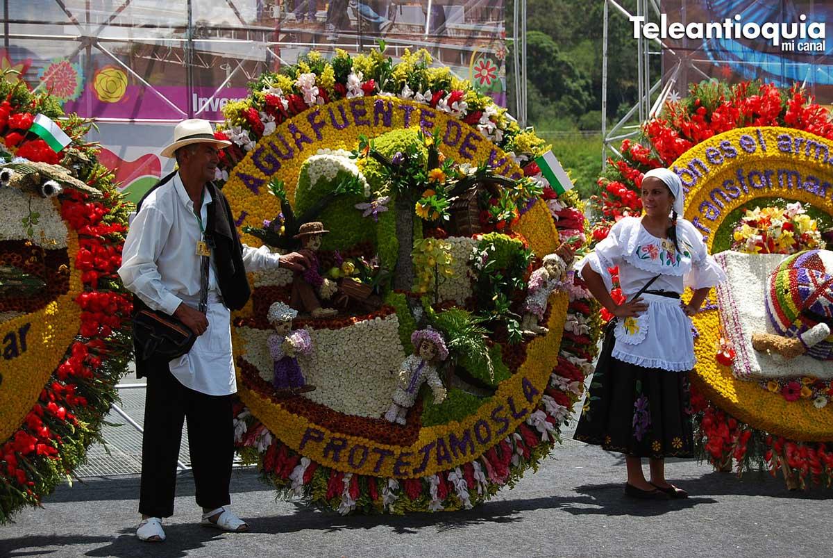Silletero-con-su-obra-by-Tele-Antioquia