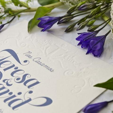 Invitaciones de boda vintage con relieve