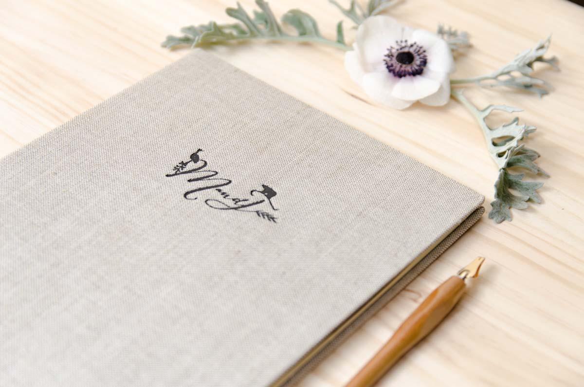 Invitaciones-de-boda-originales-Oso-y-grulla-Branding-de-boda-3