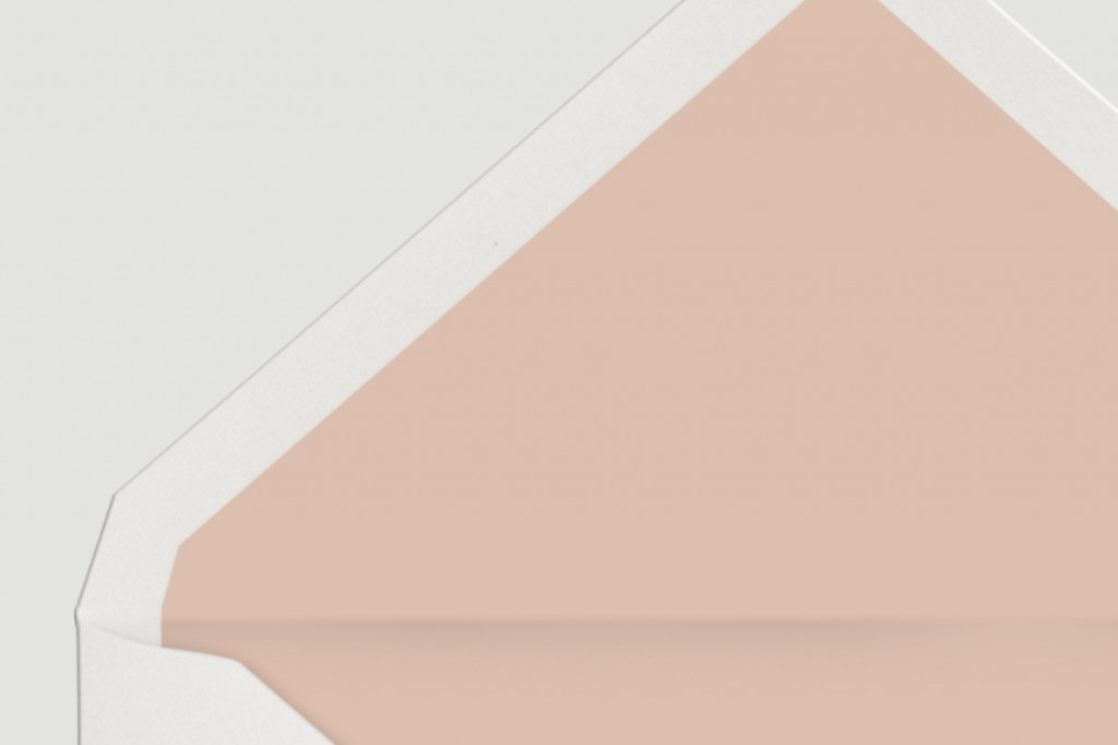 DETALLE-SOBRE-BLANCO-FORRO-NUDE-invitacion-tropical
