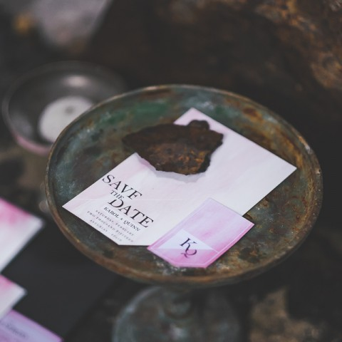 Invitaciones de para bodas diferentes - fotografias F2Studio