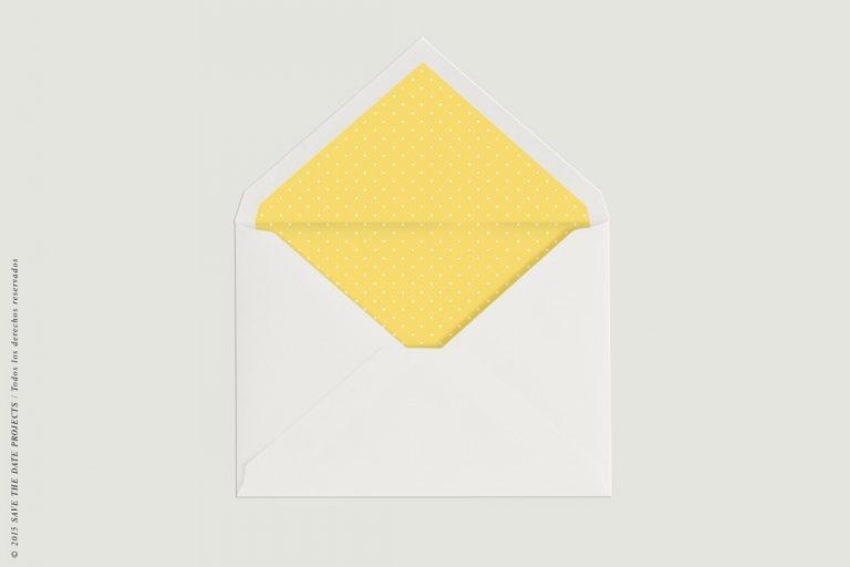 SOBRE-MONTADO-PUNTOS-kraft-amarillas-