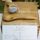 Sellos de caucho con tinta blanca para madera