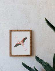 acuarela-botanica-donana-enmarcada-decoracion-marco-madera-vertical-flamenco-volando
