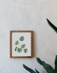 acuarela-botanica-tropical-enmarcada-decoracion-marco-madera-vertical-monstera