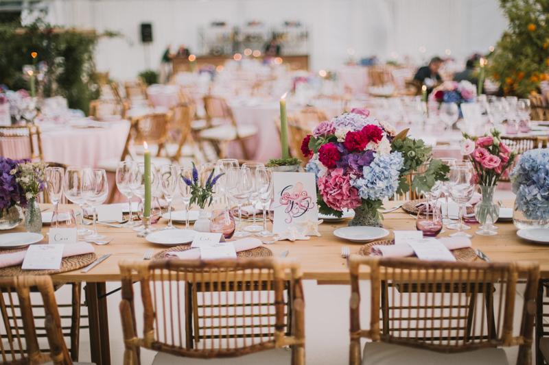 Meseros y minutas de boda personalizados - Fotos dias de vino y rosas