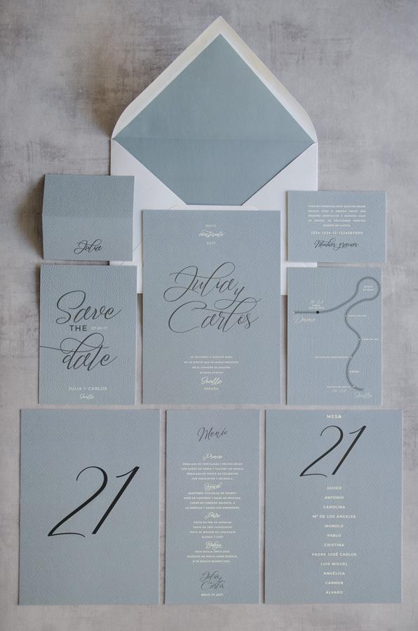 Tarjetas-de-invitaciones-de-boda-caligrafia-y-dorado-2