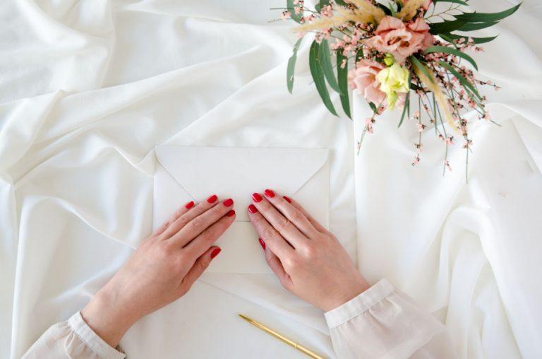 Invitaciones de boda sobre troquelado con forro Donana acuarela by Save the date projects (4)