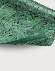 papel-de-regalo-tropical-con-insectos-palmera-monstera-1