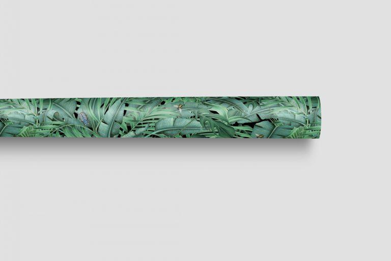 papel-de-regalo-tropical-con-insectos-palmera-monstera-2