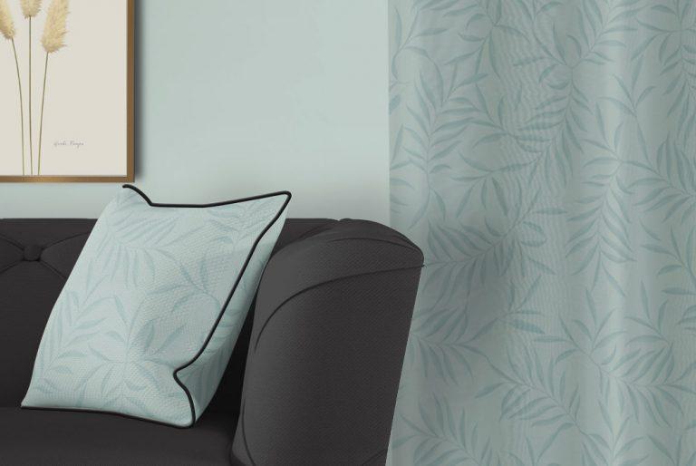 tela-de-algodon-estampada-cortinas-cojines-tropical-con-flamencos-plumas-SKY-BLUE-donana-cojin-detalle