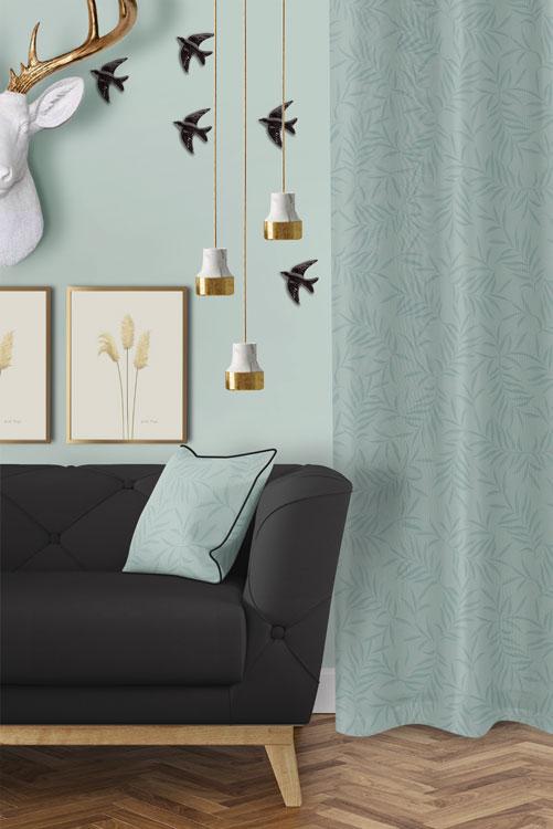 tela-de-algodon-estampada-cortinas-cojines-tropical-con-flamencos-plumas-SKY-BLUE-donana-salon-detalle