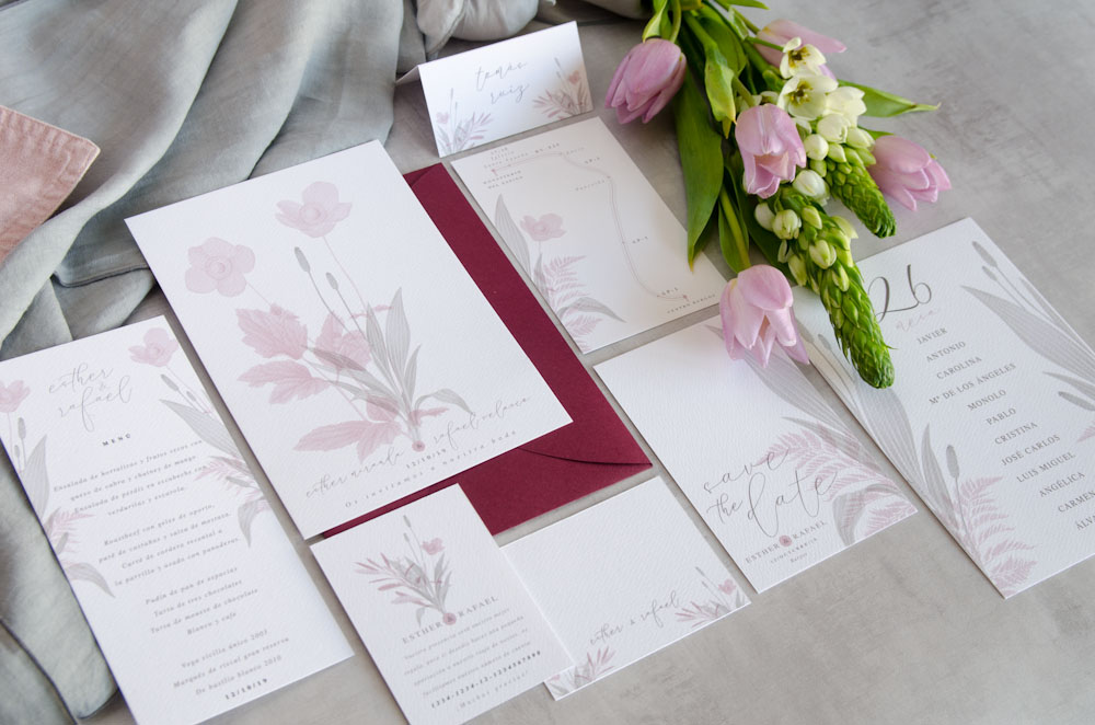 Papeleria de boda romántica: invitaciones y resto de elementos