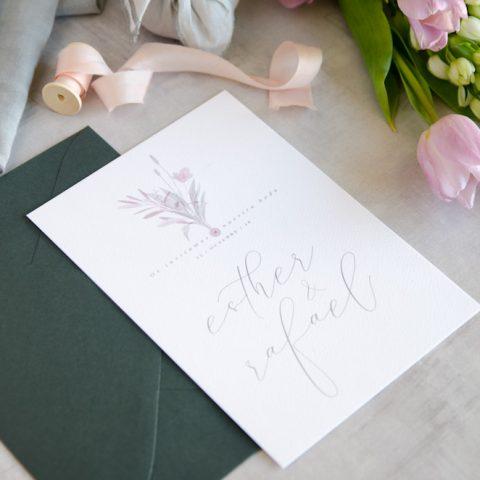 Invitaciones de boda originales romanticas gris rosa-79