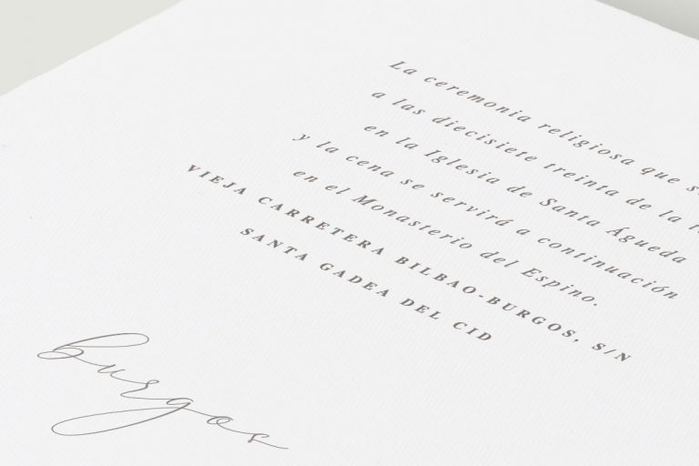 invitaciones-de-boda-flores-lapiz-lettering-blanca-REV-Detalle