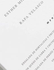 menu-de-boda-flores-lapiz-lettering-blanca-2-ANV-Detalle