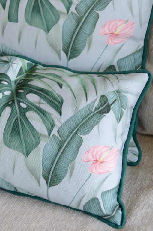 COJIN-ESTAMPADO-tropical-selva-verde-platanera-monstera-SALON-detalle