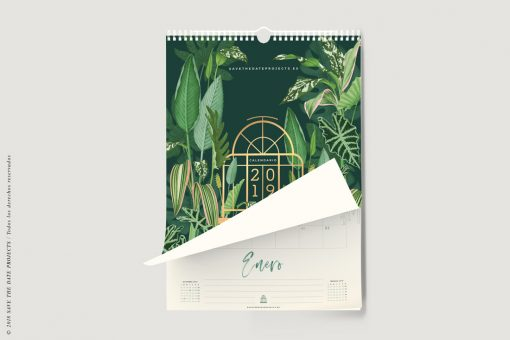 CALENDARIO-PARED-2019-MOCKUP-VERDES-DE-INTERIOR-THE-BOTANICAL-NOOK-PORTADA-HOJA-LEVANTADA