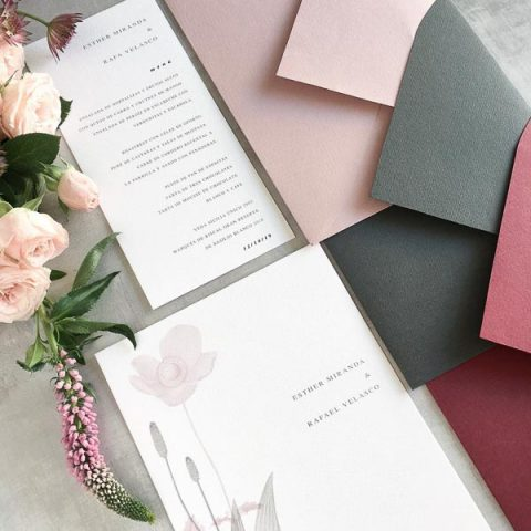 Sobres de colores para bodas originales