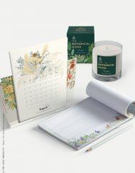 calendario y vela como regalo