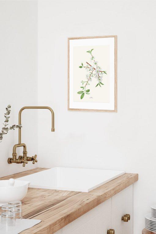 cuadro en baño cerezo