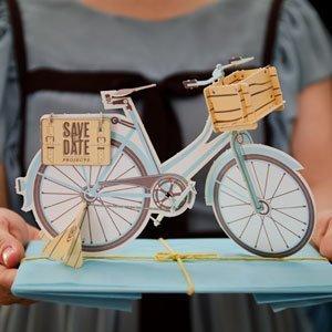 Invitación letterpress con recorte láser para montar tu propia bicicleta