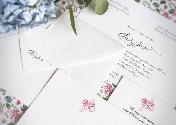 Detalle de Tarjetones de boda clásicos, sobre, lista de boda