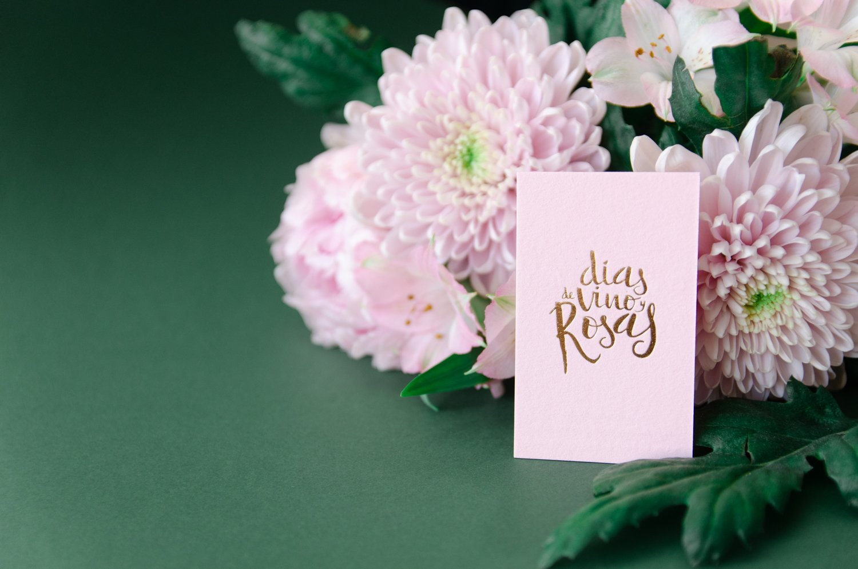 Fotografia tarjetas de visita con acabado dorado