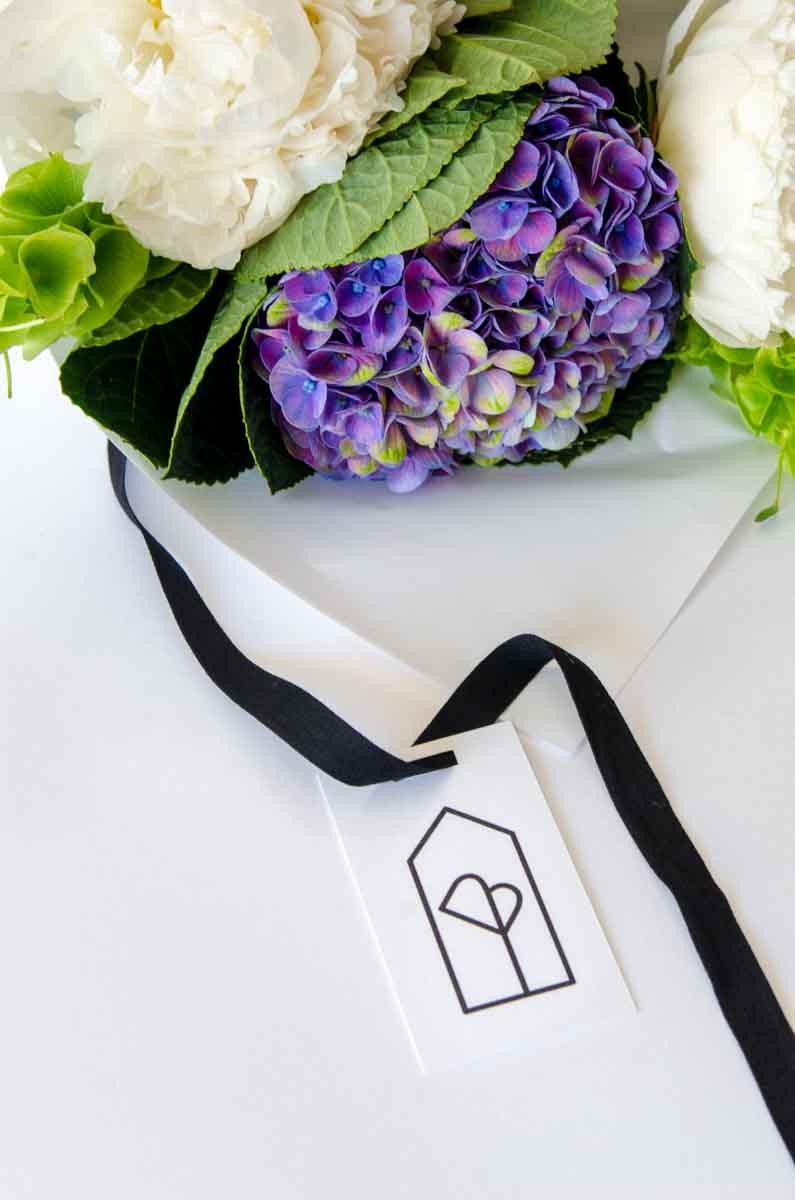 Icono floristeria en blanco